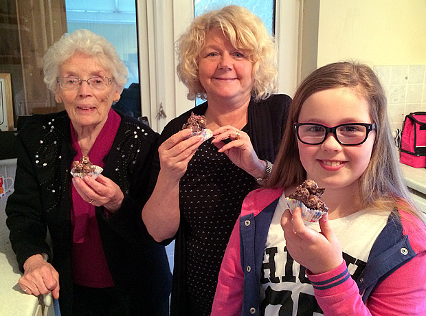Grandma Great (Margaret), Nonna (Elaine) and Amber with the yummy chocolate popcorn drops
