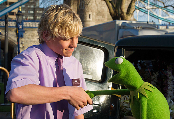 Muppets Most Wanted starring Ross Lynch and Kermit The Frog
