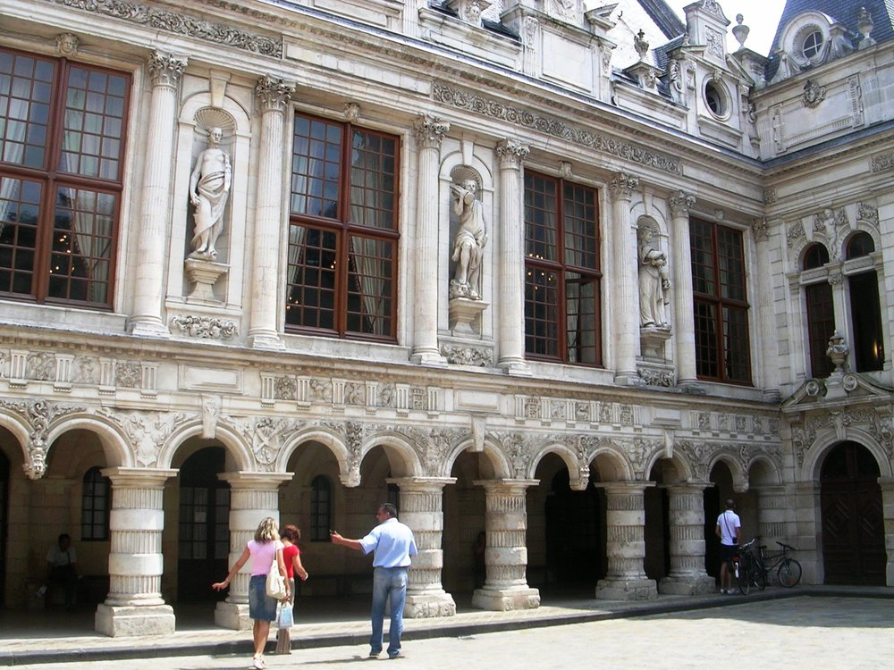 La Rochelle Ornate Building.jpg