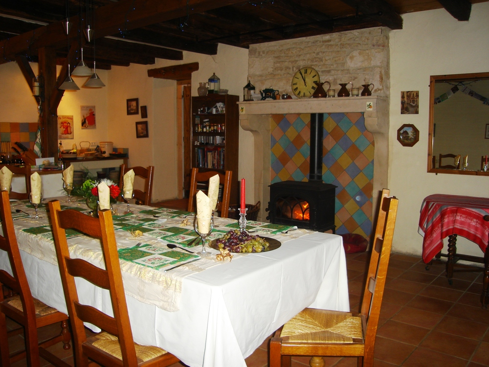 kitchen dining room.jpg