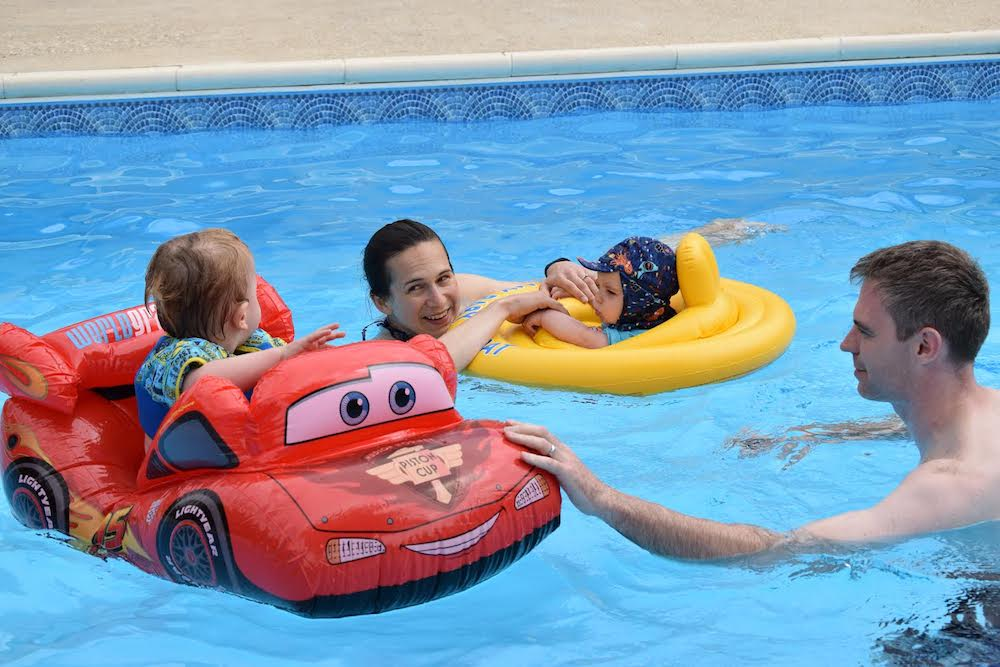 OConnells in pool.jpg