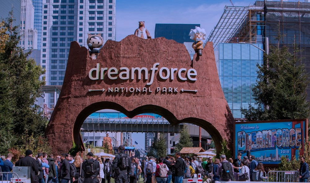 UX / UI EXPERIENCE MARKETING DESIGN - Dreamforce is the World's Largest Tech Conference hosted by Salesforce.com in downtown San FranciscoSee the Philanthropy Cloud Activation Experience 👇