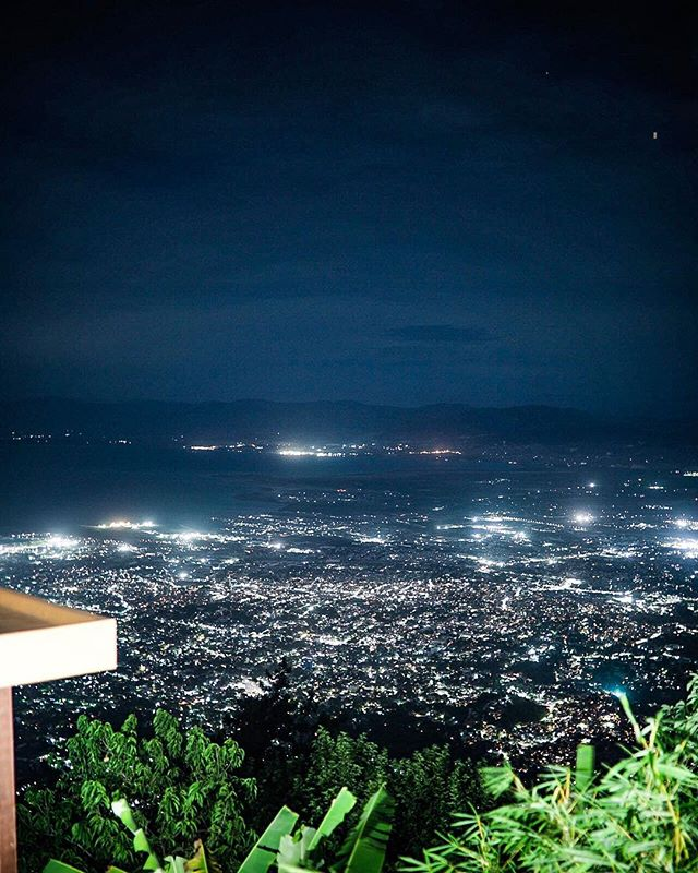 Top of Port-au-Prince. #peacelover #exploretocreate #explorationgram #killeverygram #nightlights #haiti