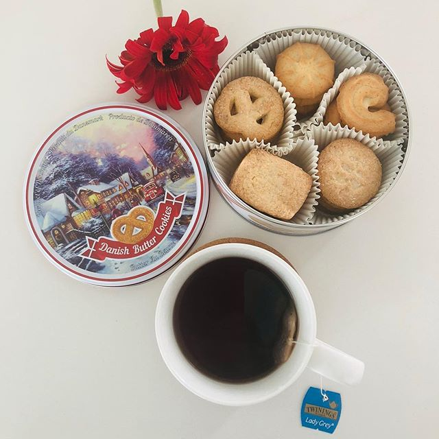 This Christmas, gift your loved ones with a tin of Danish butter cookies from BISQUINI. The Christmas edition tin makes a nice keepsake gift too! Available in 7 beautiful designs at Candy Empire.🌲