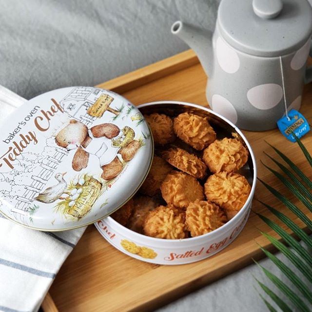 SALTED EGG cookies coming to our stores real soon! These cookies are so fragrant and soft - they literally melt and crumble in your mouth 🤤 The Teddy Chef series is also available in Cappuccino and Hokkaido Butter flavours! #candyempiresg #sgfoodies #saltedegg #igsg #saltedeggeverything