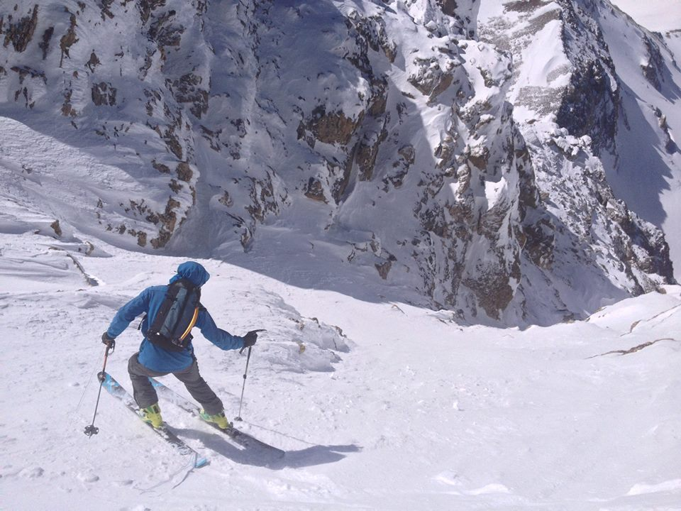 Jackson Knoll tests out an early prototype of the Five Peak Pack, one of the original Free Range packs, in the Southwest Couloir on the Middle Teton.