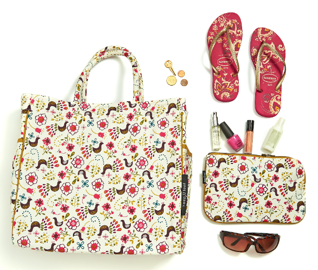 Ready for the beach ?  Don't forget your Keep Leaf tote to carry all your gear!