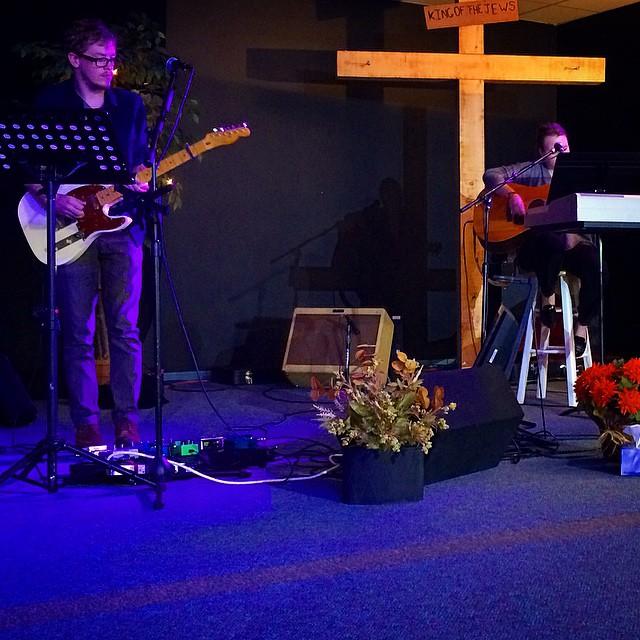 Tangible sense of Jesus' presence in super school worship this morning #Tim #Andrea #Godforus