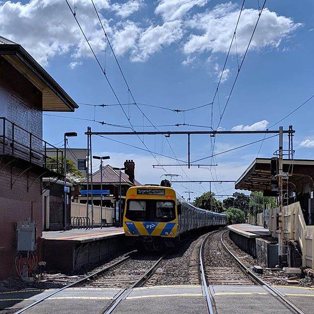 Sunny, windy day in Yarraville Village. #cityboundtrain @metro_trains_melb @cityofmaribyrnong