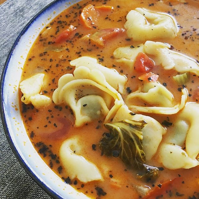 The last bout of winter means getting those hearty soups in before it warms up for good. Mmmm tomato cream tortellini soup. #soup #tortellinisoup #dinner #homemade #cooking