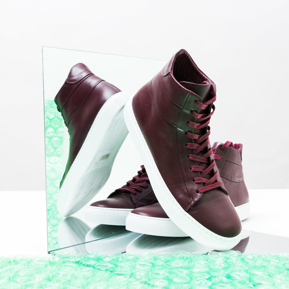 17_9_20_WH_MirrorSneakers_01.jpg