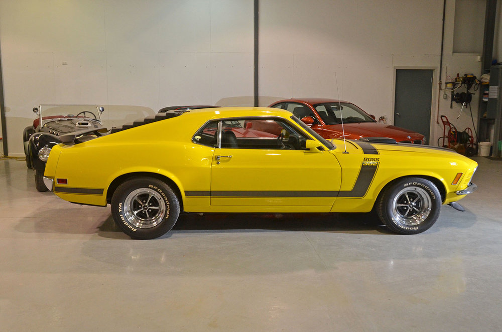 1970B_Ford_Mustang_Boss_302_Yellow_003.jpg