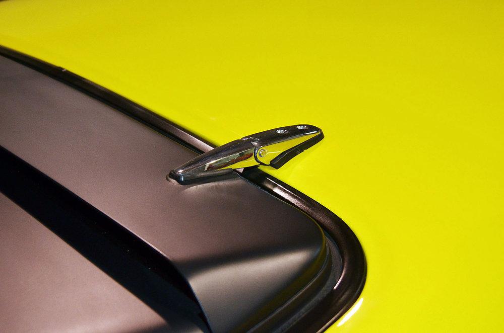 1970B_Ford_Mustang_Boss_302_Yellow_013.jpg