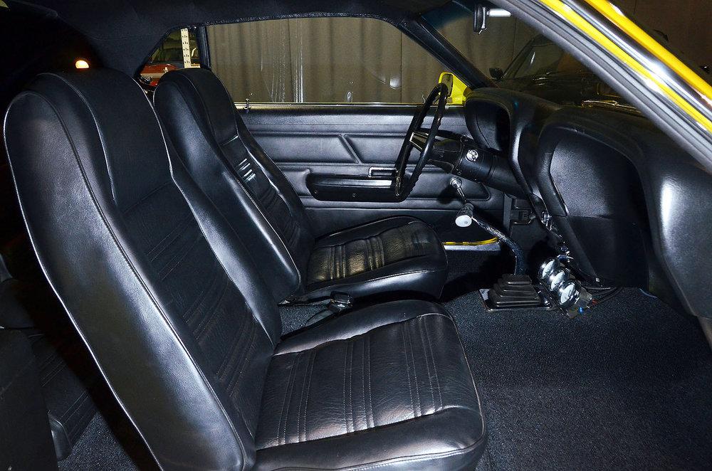 1970B_Ford_Mustang_Boss_302_Yellow_027.jpg