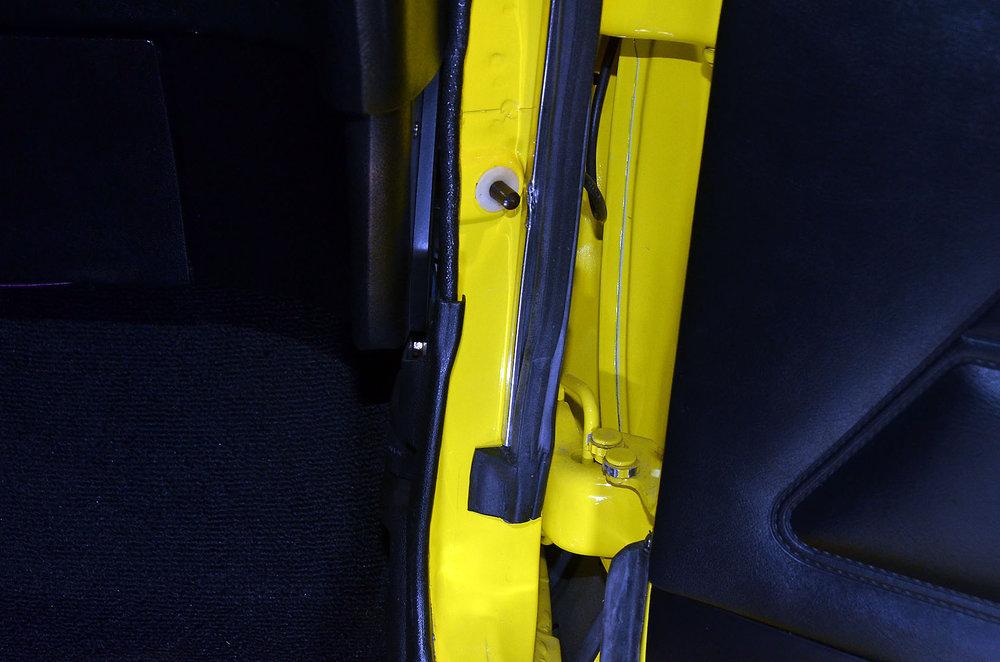 1970B_Ford_Mustang_Boss_302_Yellow_028.jpg