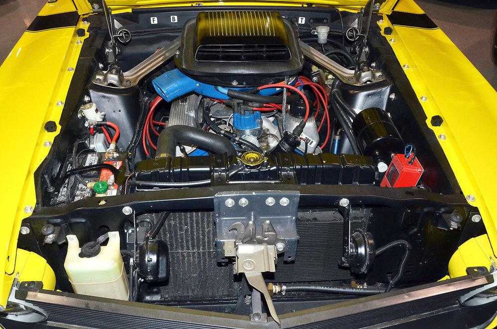 1970B_Ford_Mustang_Boss_302_Yellow_034.jpg