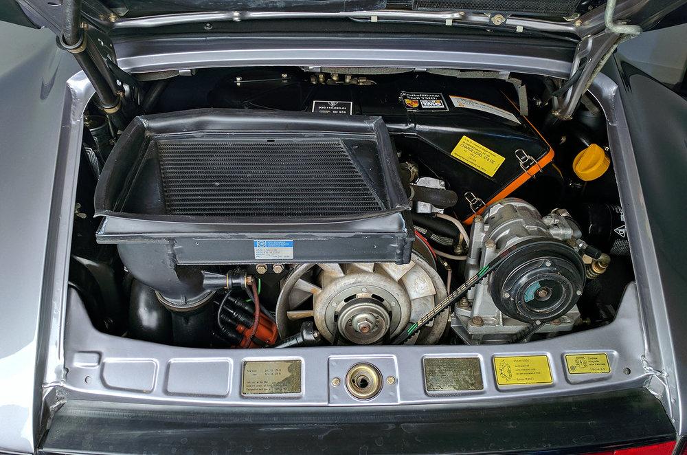 1989G_Porsche_911_Turbo_Cabriolet_Grey_027.jpg
