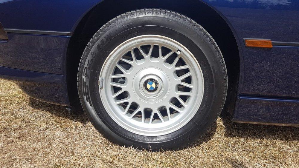 1992F-BMW-850i-21.jpg