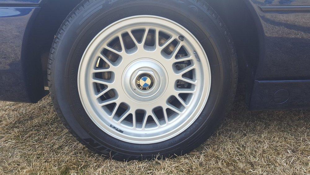 1992F-BMW-850i-18.jpg