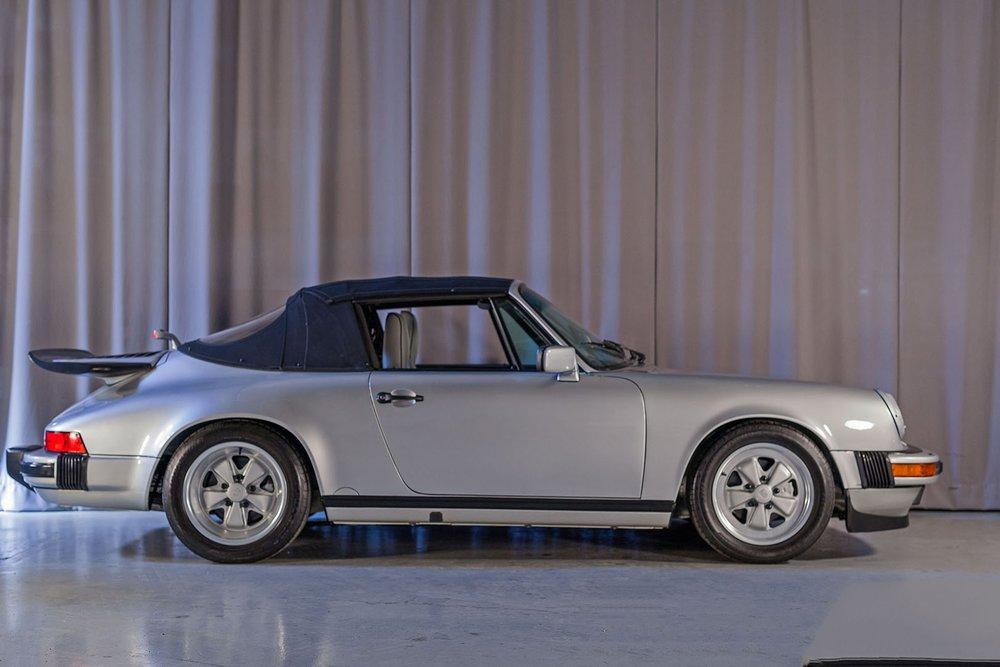 1989F_Porsche_911_Coupe_Silver_Anniversary_001.jpg