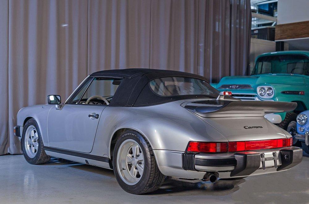 1989F_Porsche_911_Coupe_Silver_Anniversary_006.jpg