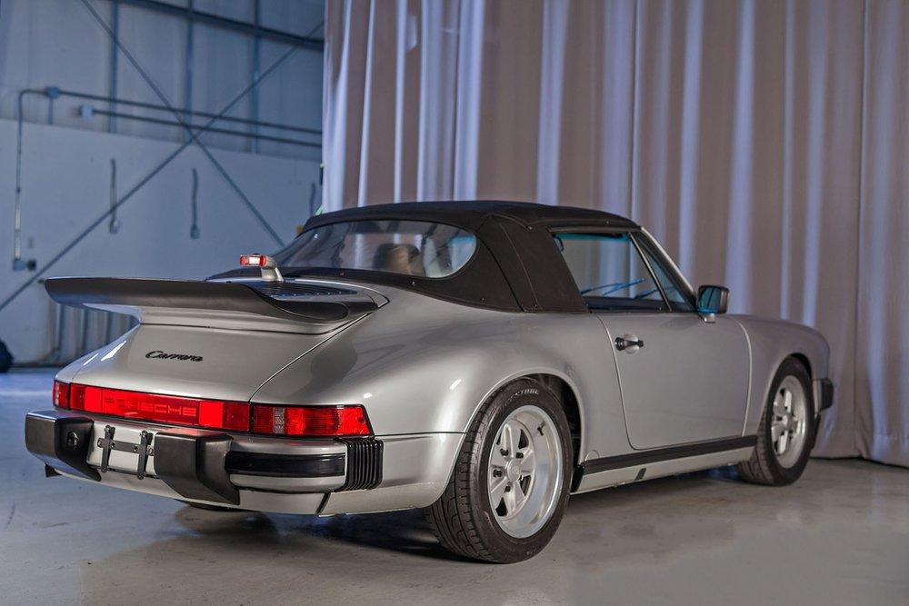 1989F_Porsche_911_Coupe_Silver_Anniversary_008.jpg