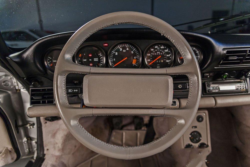 1989F_Porsche_911_Coupe_Silver_Anniversary_012.jpg