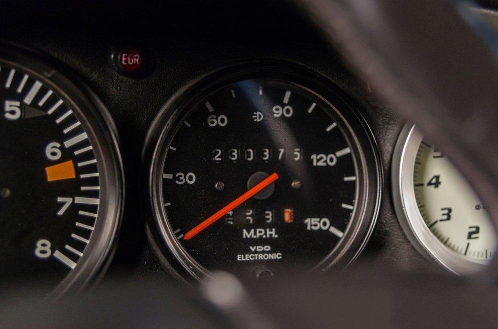 1977C_Porsche_911_Bronze_010.jpg