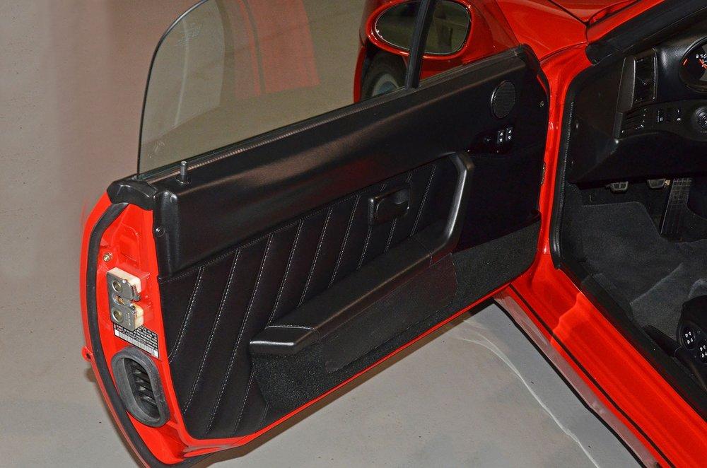 1993F_Porsche_968_red_cabriolet_013.jpg