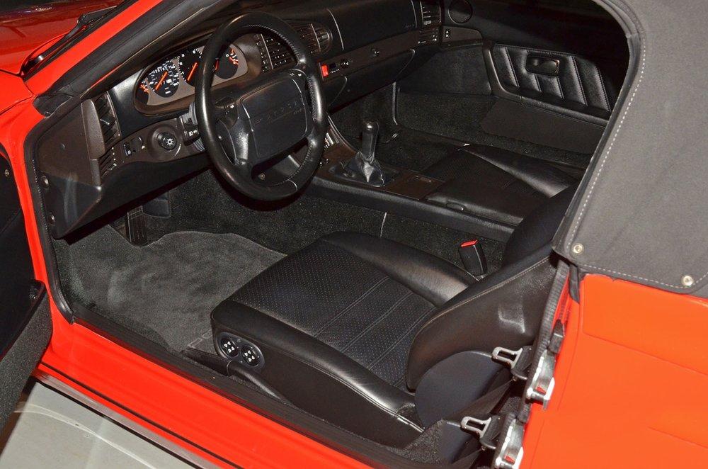 1993F_Porsche_968_red_cabriolet_014.jpg