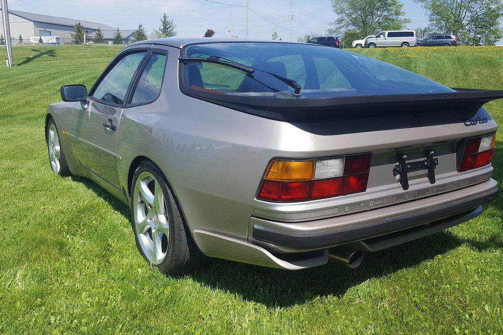 1988G-Porsche-944-Turbo-Watermark02.jpg