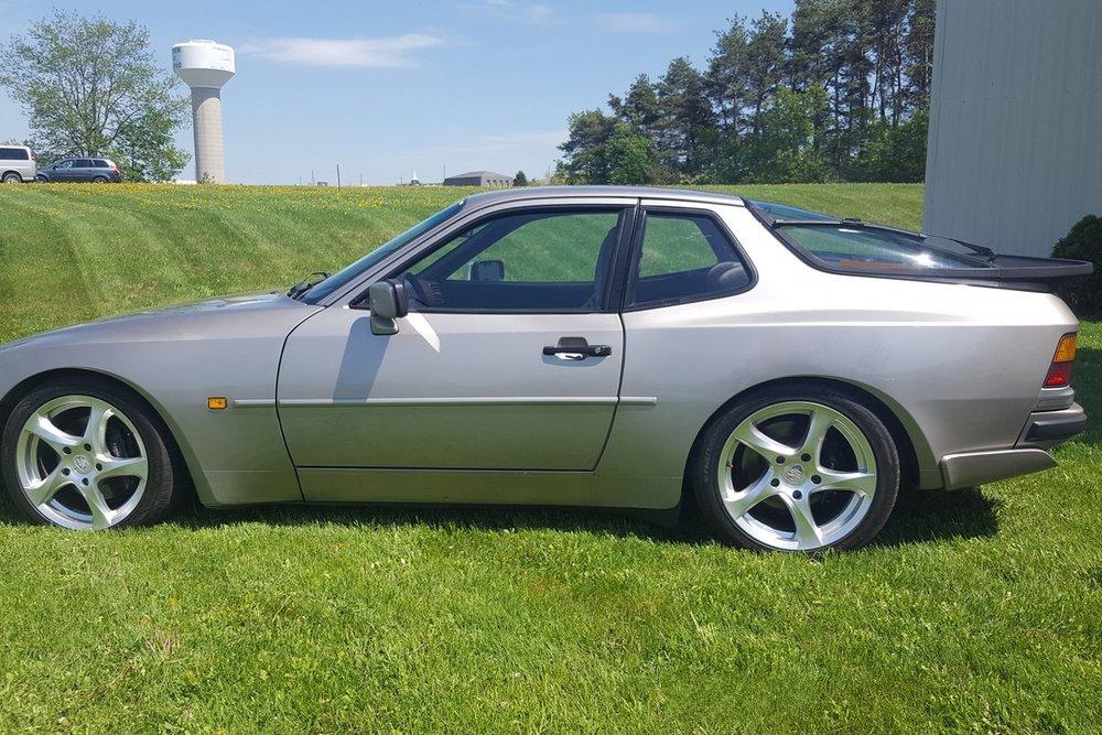 1988G-Porsche-944-Turbo-Watermark03.jpg