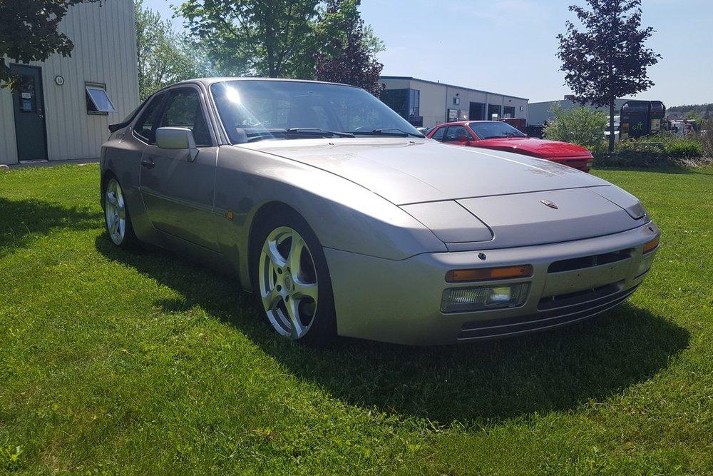 1988G-Porsche-944-Turbo-Watermark06.jpg