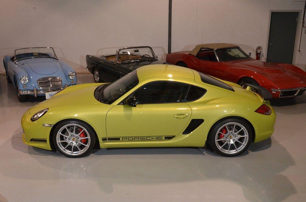 2012B_Porsche_Cayman_R_Coupe_Green_007.jpg