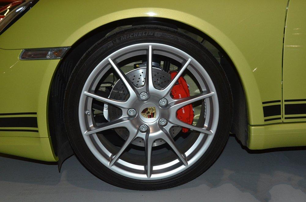 2012B_Porsche_Cayman_R_Coupe_Green_011.jpg