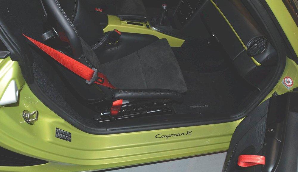 2012B_Porsche_Cayman_R_Coupe_Green_028.jpg