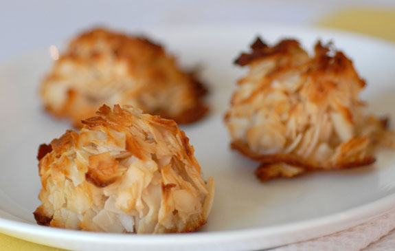 paleo-coconut-macaroons-dessert-recipe-5614.jpg