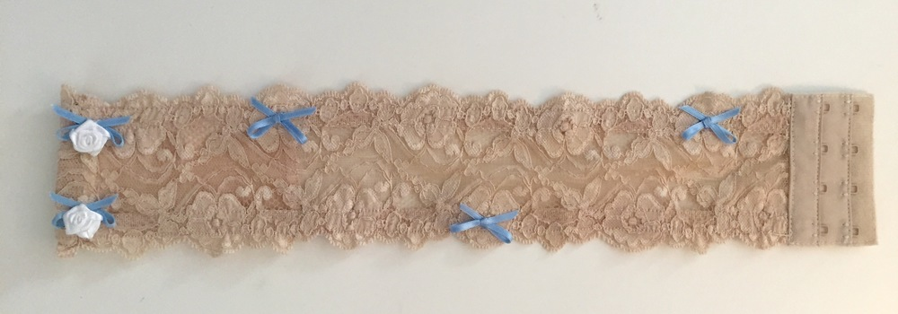 iThigh Nude Lace Wedding Garter