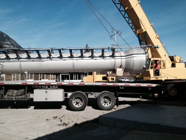 Pellet reactor vessel arrival - Mar 2015