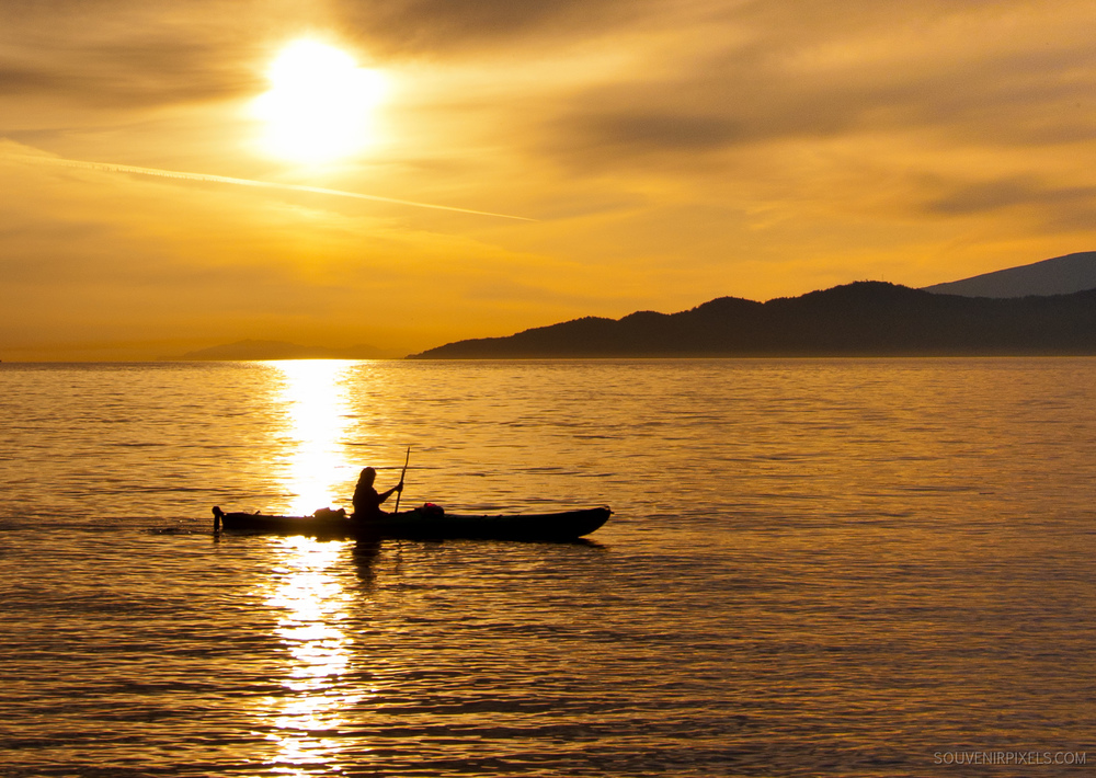 P0129-Sunset Sea Kayaker-XLarge.jpg