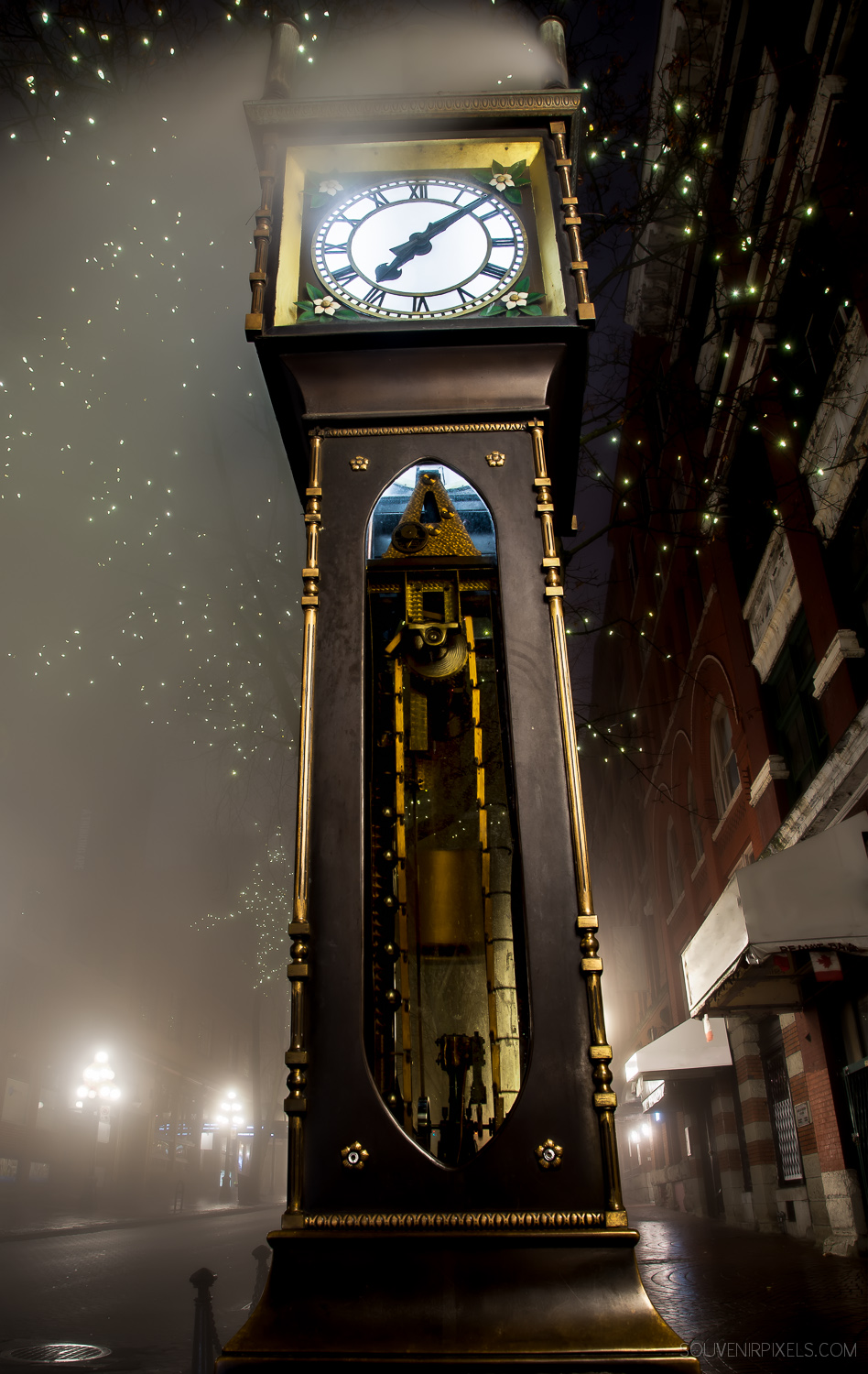 P0440-Tall Vancouver Steam Clock-XLarge.jpg