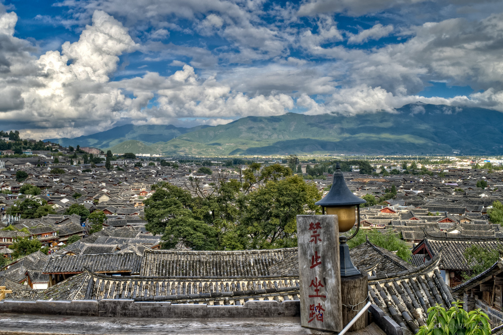 P0109-View of Lijiang old town-XLarge.jpg