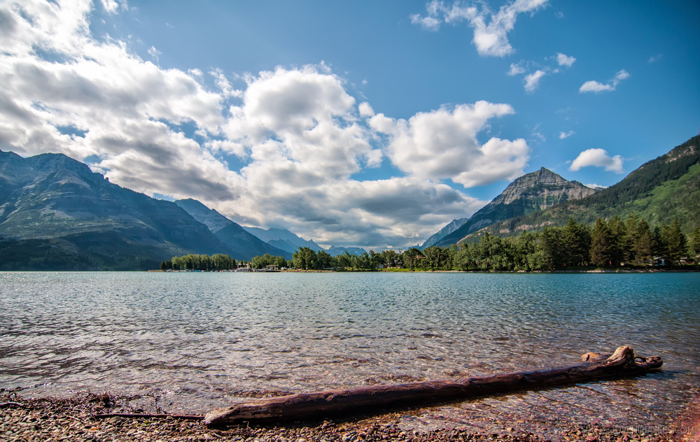 P0417-Waterton Lakes Clouds-XLarge.jpg