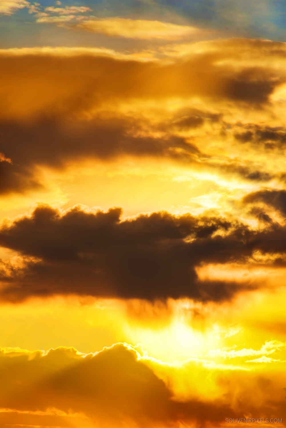 P0464-Golden Cloudscape-XLarge.jpg