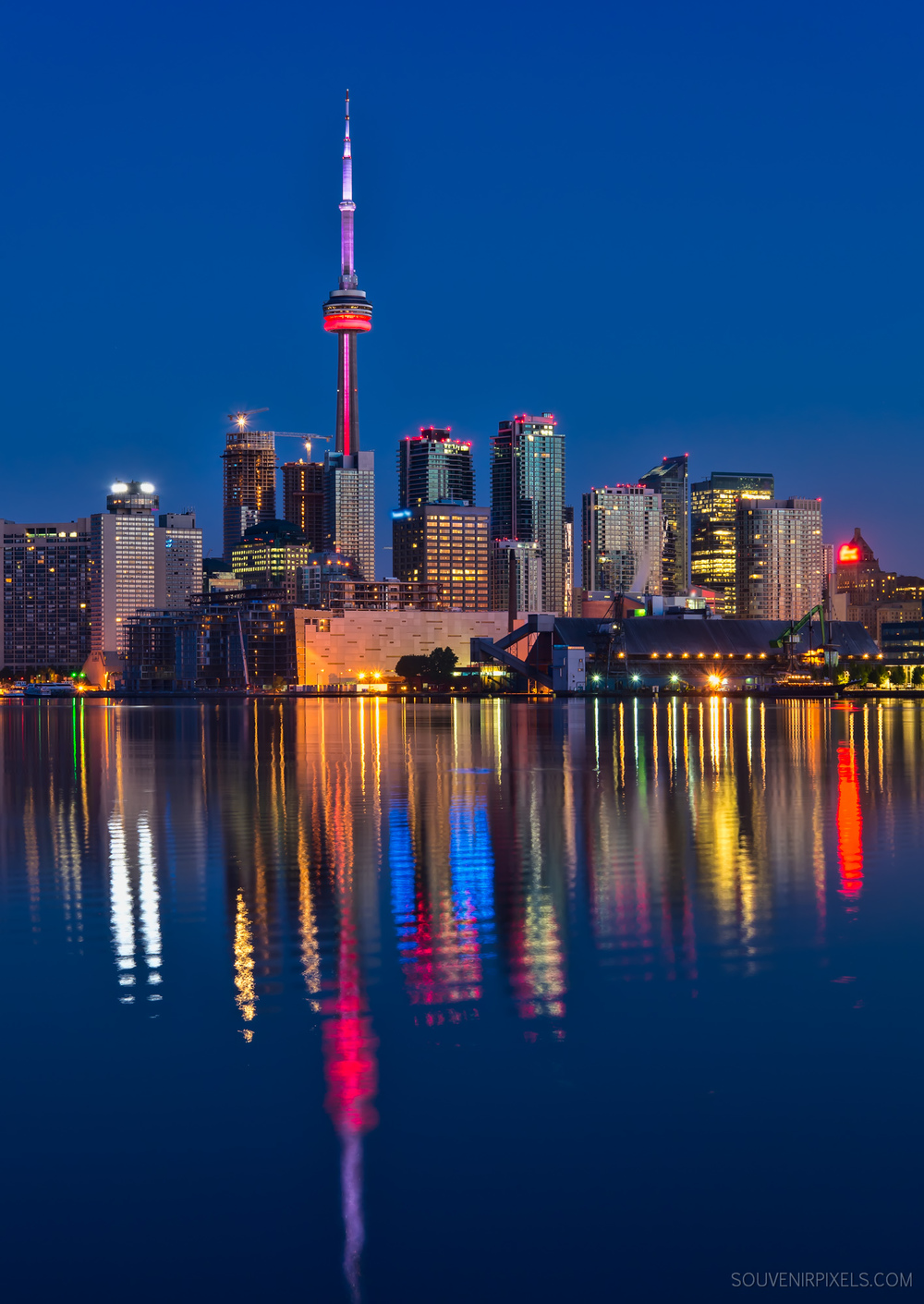 P0653-Red CN Tower-XLarge.jpg
