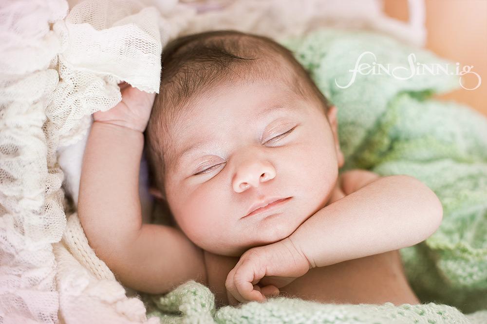 Newbornfotografie München Fee Ronja Schineis