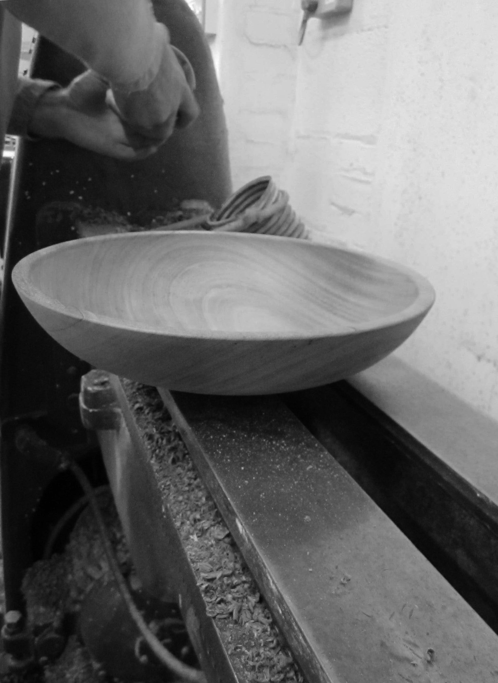 final bowl, just a layer of mineral oil to feed the wood and the process is complete