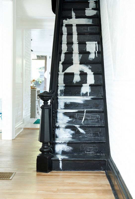 Design by Leanne Ford   In the image above by Domino.com, designer Leanne Ford uses the stairs in a way to create a chic artistic statement to show off her personal design style. Rather than buying a piece of art, you can turn your staircase into a beautiful artistic feature in your home.
