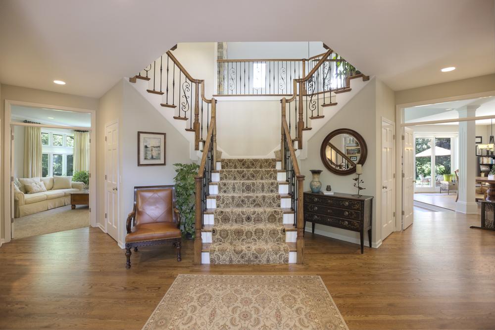 Foyer_stairs.jpg
