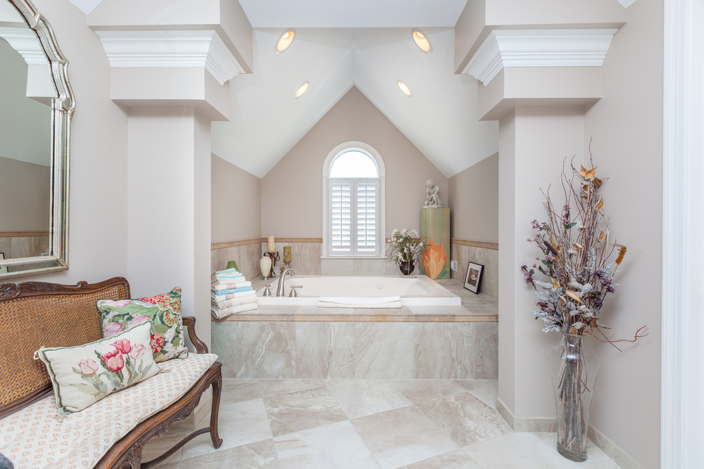 Master Bathroom Tub.jpg
